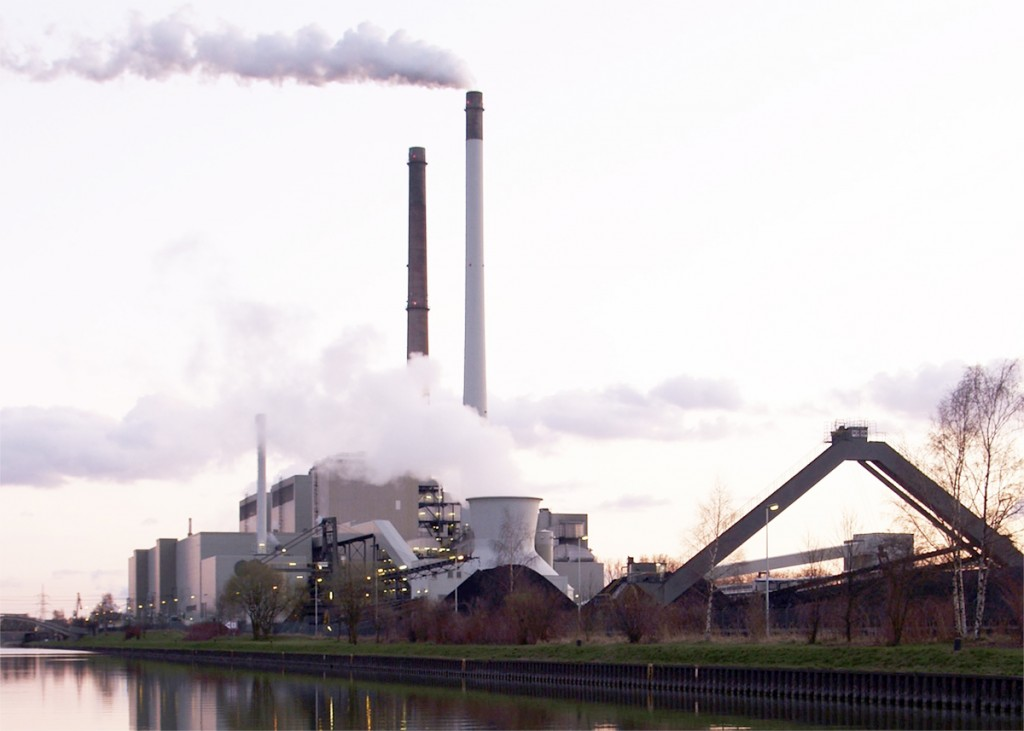 The European Union reports that by the year 2020 emissions from sectors covered by the Emissions Trading System (ETS) there will be 21 percent lower than they were in 2005 and 43 percent lower by 2030. Pictured: A coal-fired power plant in Germany. Photo: Arnold Paul