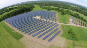 This 2.96 MW on 15 acres at Meach Cove Farms is designed 3,450,000 kWh of energy each year, enough for 385 average homes.
