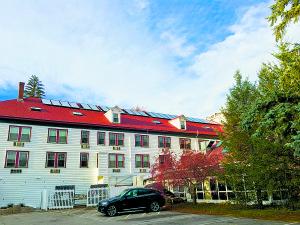 Eastern Slope Inn Solar Thermal. All photos courtesy of Revision Energy.