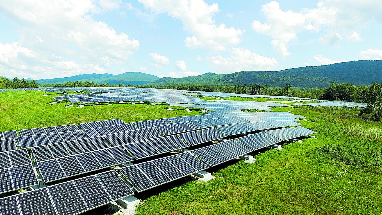 Sanborn Head provided engineering support at the Stafford Hill Solar Farm, Rutland, VT. Photo Credit: Eric Hudiburg