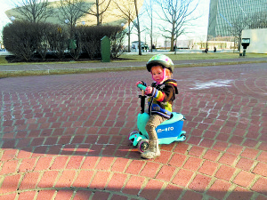 Here is a 2-year old with her MINI2GO for toddlers.