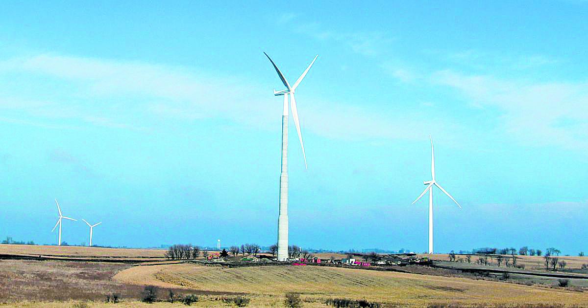 Macksburg Wind Project. Courtesy of MidAmerican Energy