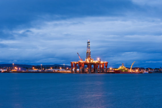North sea oil platform (Image: Berardo62, some rights reserved)