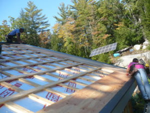 R-60 insulation for the standing seam roof. Photos: Janice and Steve Kurkoski