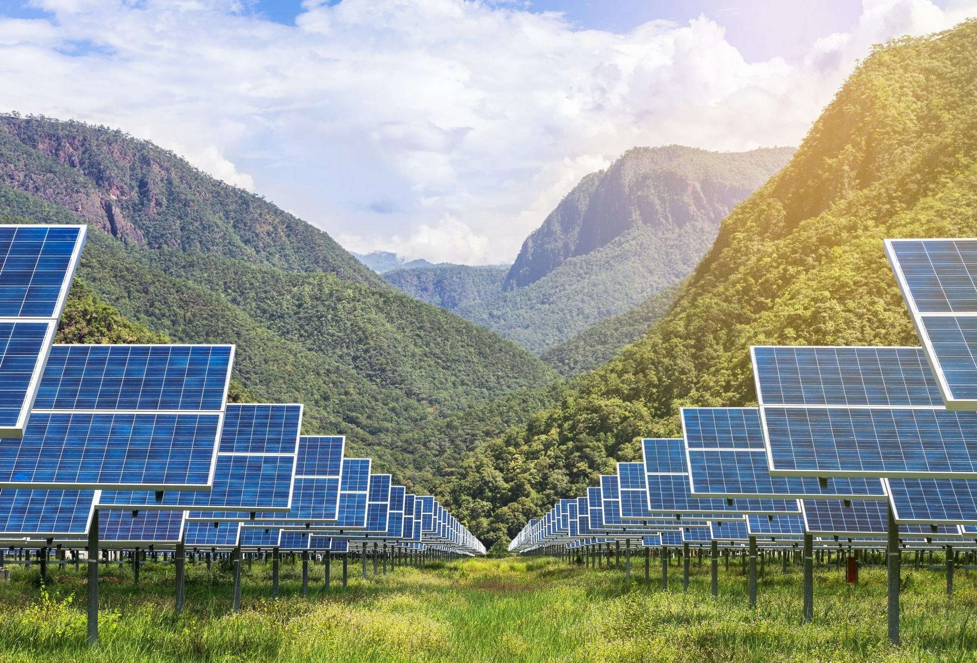 Solar array (Thinkstock image)
