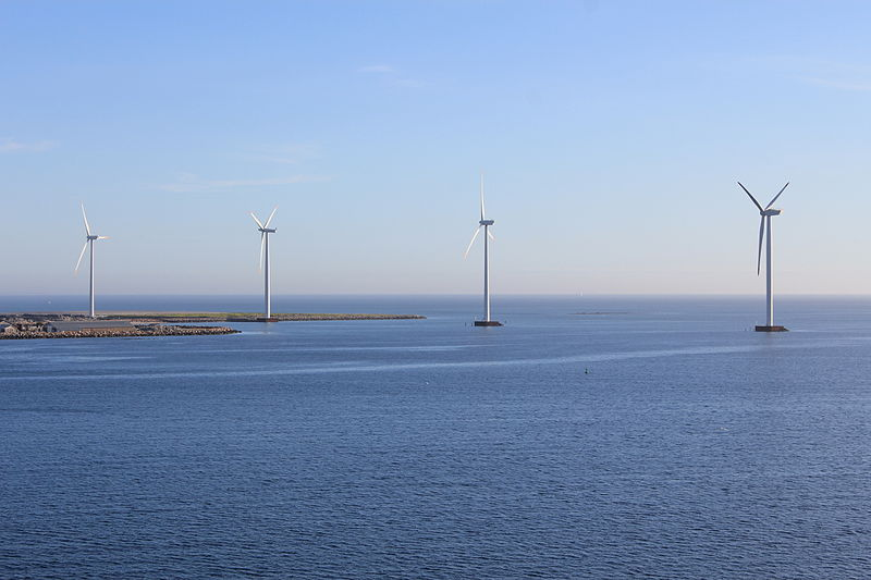 Offshore wind power (Øyvind Holmstad, Wikimedia Commons)