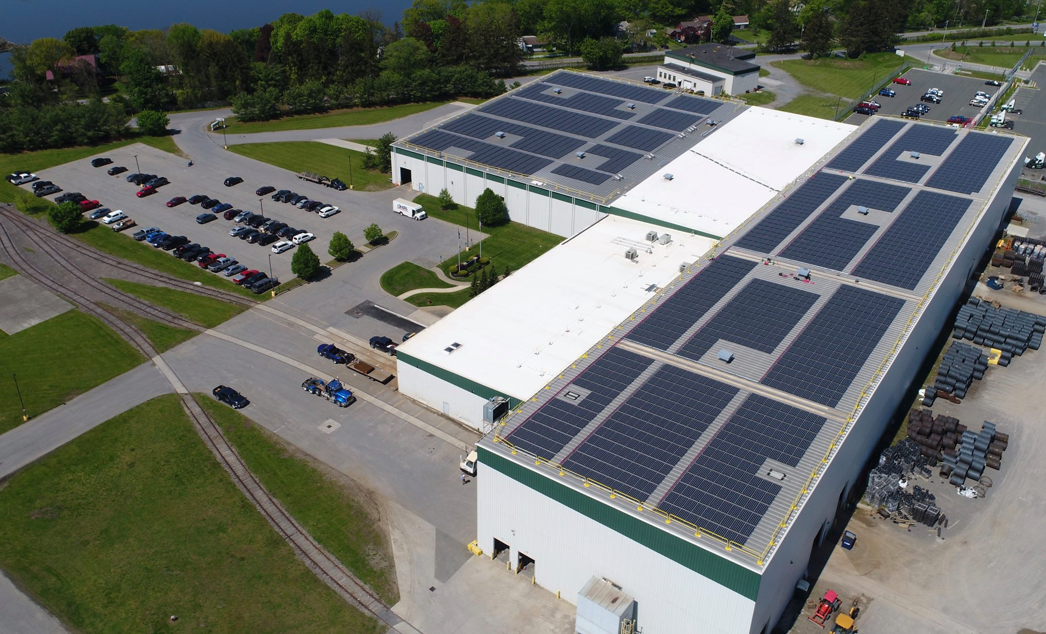 Generating almost 1MW of power, this solar PV array will provide Dimension Fabricators all its electrical needs. Courtesy image: Dimension Fabricators, Inc.
