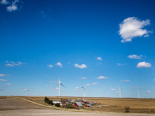 Iowa wind turbines (Photo: Zach Boyden-Holmes | The Register)