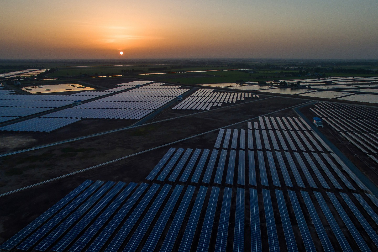 Solar Farm in Thailand (Asian Development Bank image, CC BY 2.0)