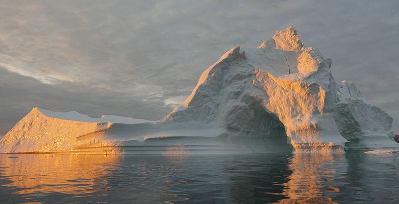 Warming seas, melting ice (NASA photo, Wikimedia Commons)