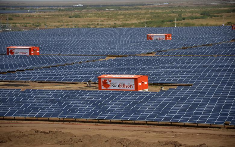SunEdison PV park in India (Author: American Center Mumbai. License: Creative Commons, Attribution-NoDerivs 2.0 Generic)