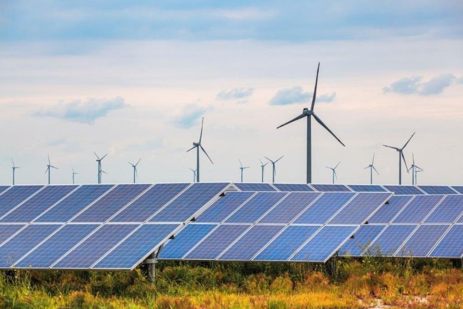 Wind and solar power (Photo: Tadgh Cullen | DP Energy)