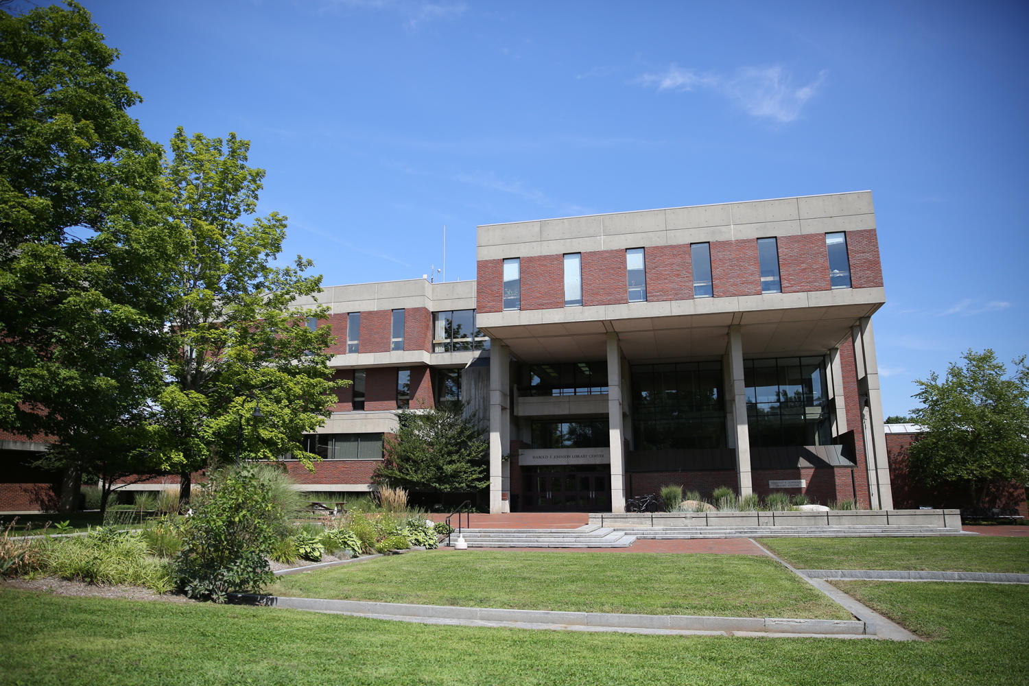 The Harold F. Johnson Library. Photo courtesy of Hampshire College.