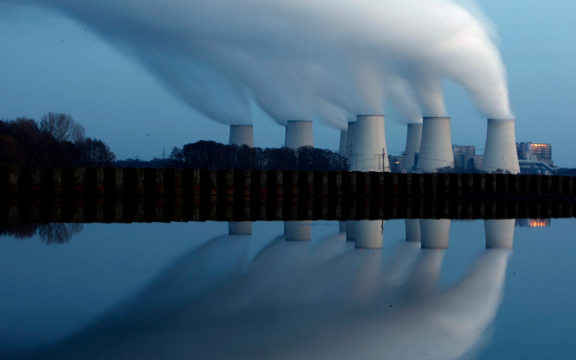 Coal-burning power plant (Reuters image)