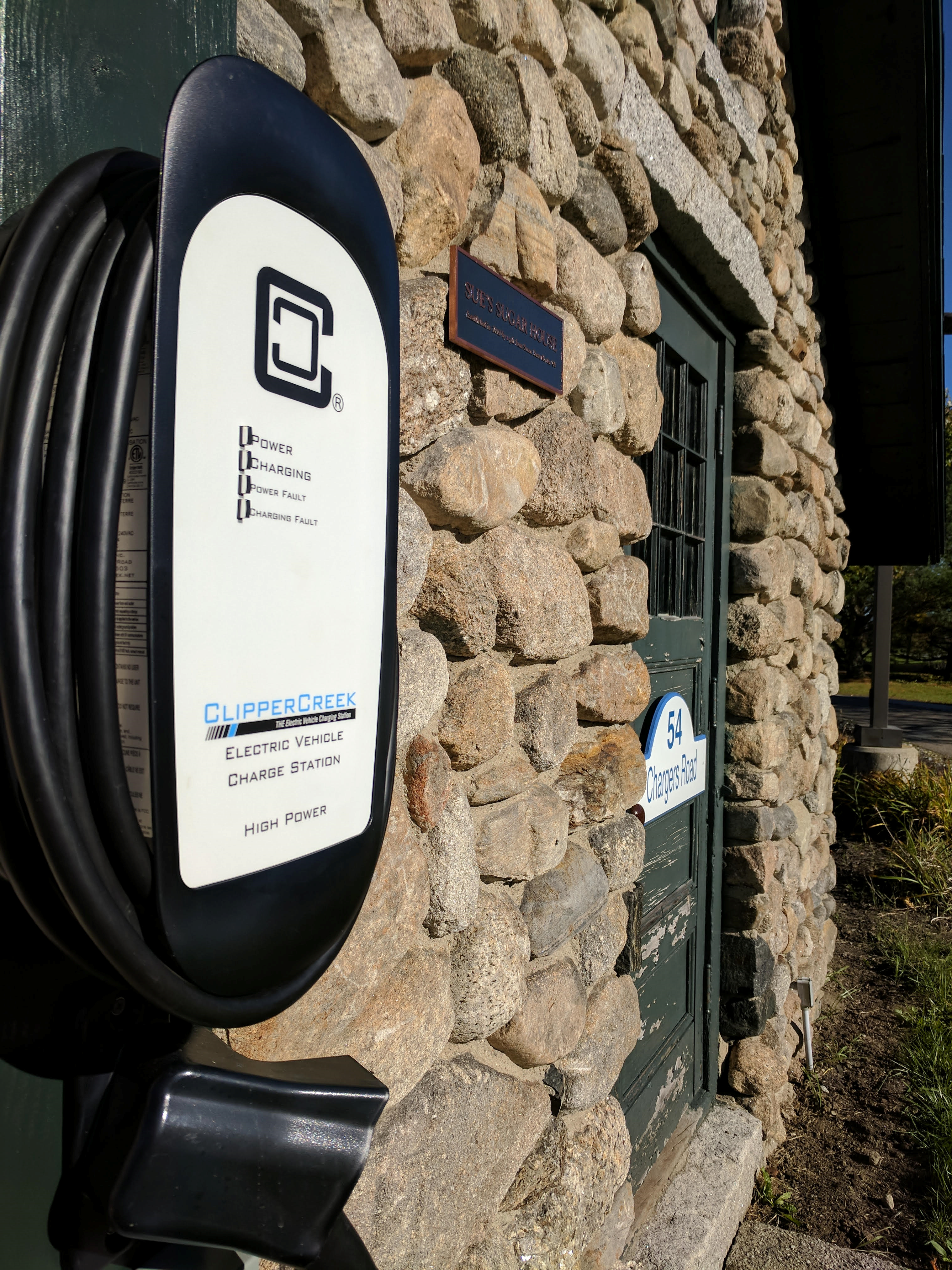 Colby Sawyer College Installs Electric Vehicle Charging Station